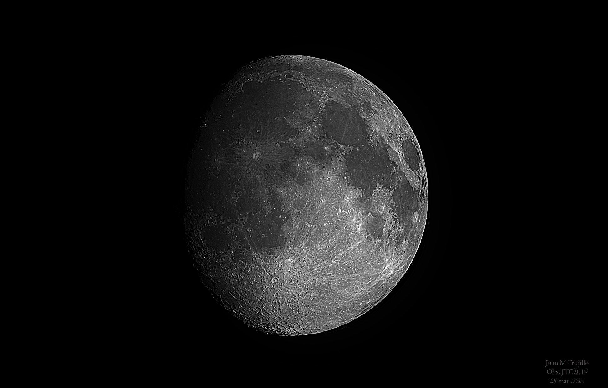 Lluna Gibosa - Juan Trujillo