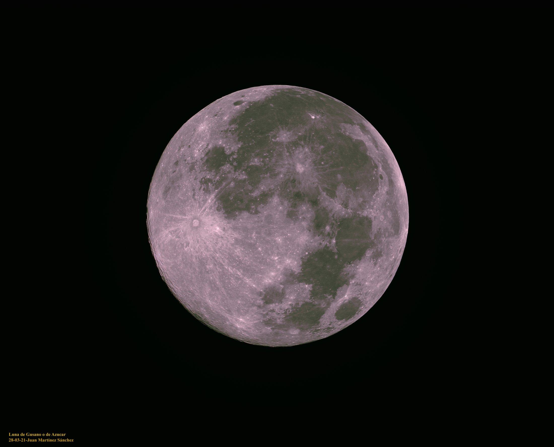 Luna De Gusano - Juan Martínez